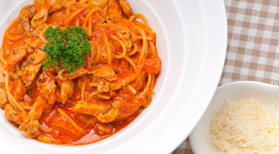 Quick Barbecue Spaghetti featuring Mumbo Sauce